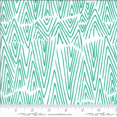 Ivory Peacock (48302 21) - Zoology by Moda Fabrics