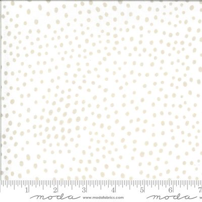 Ivory Feather (48305 11) – Zoology by Moda Fabrics
