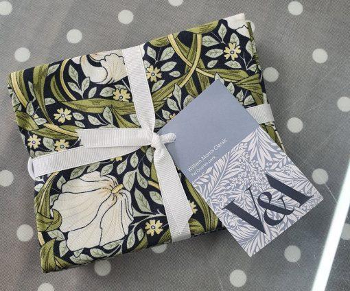 V&A William Morris Fabric - Fat Quarter Bundle