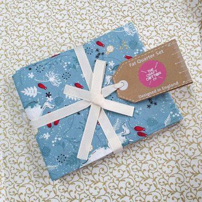Craft Cotton Co – Christmas Hare & Robin Fat Quarter Bundle 2797-00